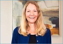 Lanette Schmidt earns Certified Financial Planner designation